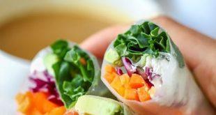 Vegetarian Fresh Spring Rolls with Peanut Sauce